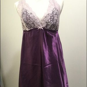 Flora Women's Purple Lingerie.  Size Large